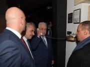 """الرئيس يتفقد فندق """"الجدار"""" في بيت لحم"""