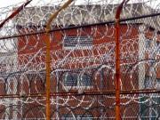 الجزائر تفرج عن آلاف السجناء